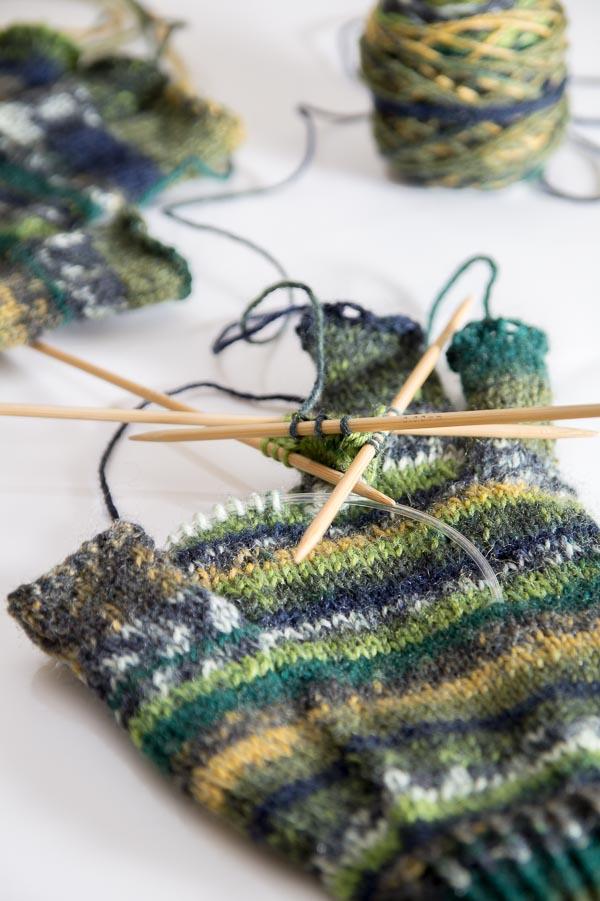 Fingerhandschuhe mit Bambus-Nadelspiel stricken