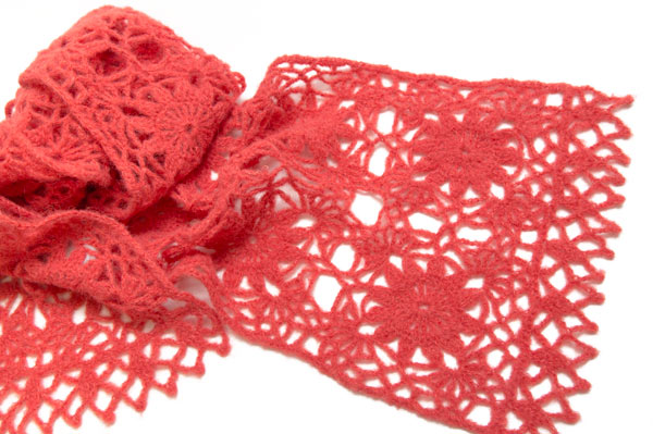 Schal aus Granny Squares gehäkelt
