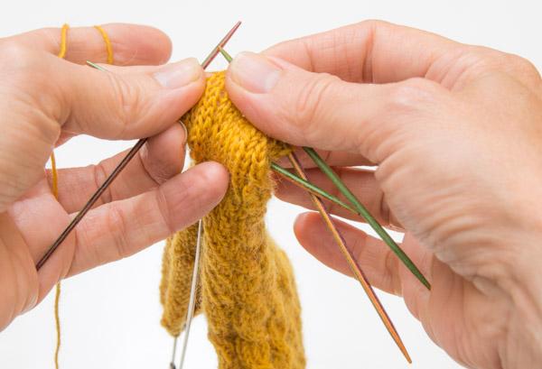 Stricken mit dem 10cm-Nadelspiel