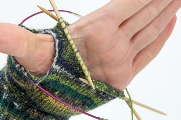 Handschuhe Daumenkeil stricken