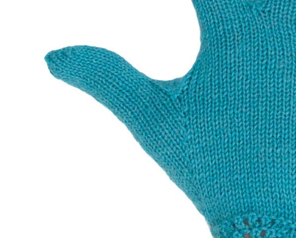 Maschenzunahme am Daumenkeil des FIngerhandschuhs