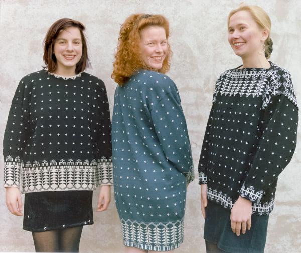 Pullover mit Dreiecken an Bordüre