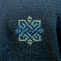 Pullover mit Pünktchen und Bordüre in Grau- oder Blau-Weiß