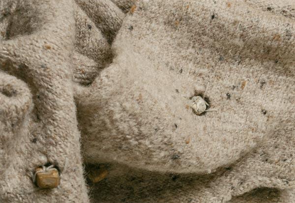 Gefilzt und Löcher mit Natursteinen gefüllt