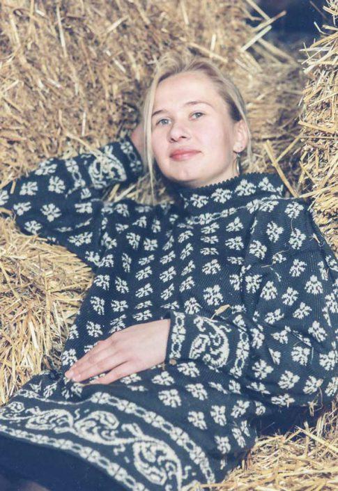 Pullover mit Blumenmuster, zweifarbig