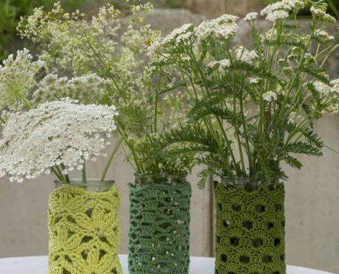Aus Senfgläser werden Vasen und Teelichter